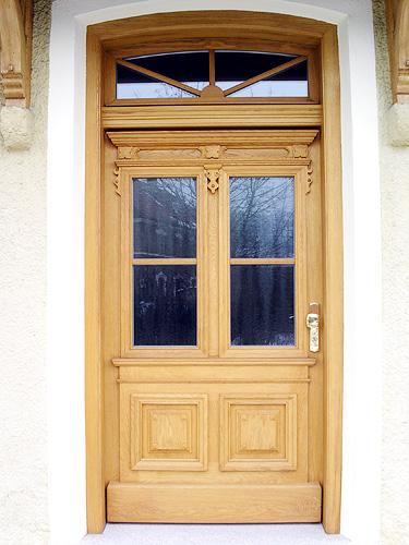 Rustikale Haustüren Holz individuelle haustüren oder zimmertüren aus echtholz schreinerei