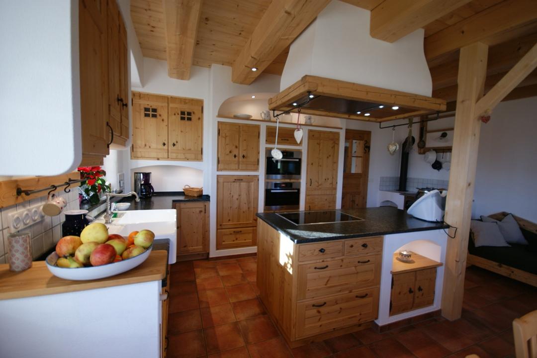 altholzk chen in perfektion rund um rosenheim und traunstein schreinerei thaler staudinger. Black Bedroom Furniture Sets. Home Design Ideas